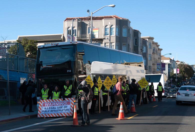 google-bus-protest.jpg