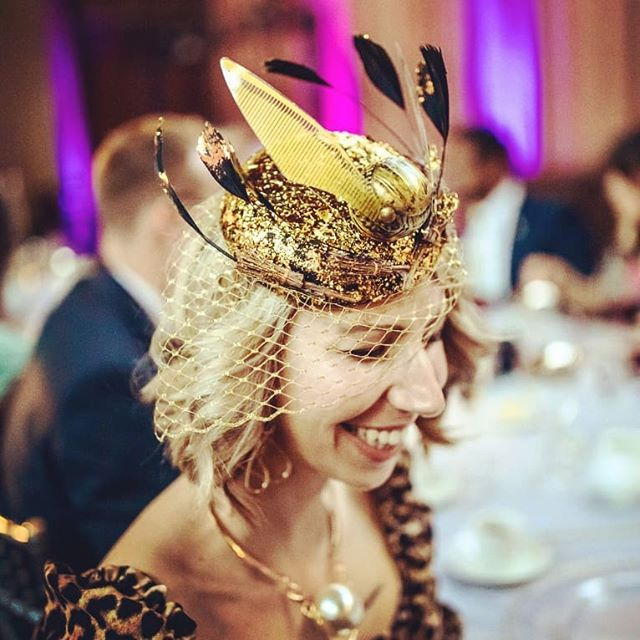 When your friends throw a Harry Potter themed wedding, a new headpiece must be created!  A Snitch, some Phoenix feathers, a few broomsticks and a LOT of gold leaf! 👑 📸 by @tamarajayphotography  #thehatologist #hatology #victoriawright #stylist #styling #style #fashion #stylistlife #millinery #hats #headpieces #bespoke #handmade #harrypotter #harrypotterwedding #wedding #snitch #broomsticks #feathers #gold