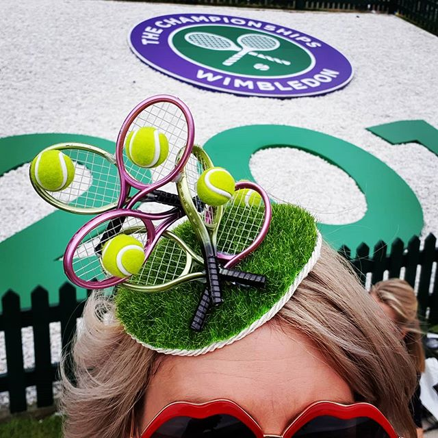 🎾Game, Set and Match at @wimbledon today 🎾 Showcasing another #wimbledon inspired headpiece today on #henmanhill before watching the matches in Court 1 this afternoon 👏🏼 Such a wonderful atmosphere here today! #jointhestory  #thehatologist #hatology #victoriawright #victoriawrightstylist #stylist #styling #style #fashion #stylistlife #millinery #hats #headpieces #bespoke #tennis #racket #lawn