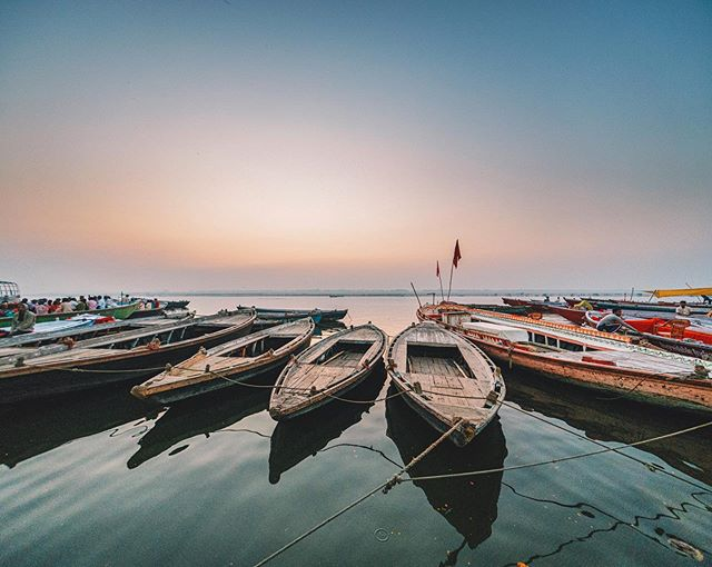 Sunrise on the Ganges River, a feeling I'll never forget 🙏🏼 📷: Sony a7RIII at 12mm f/4