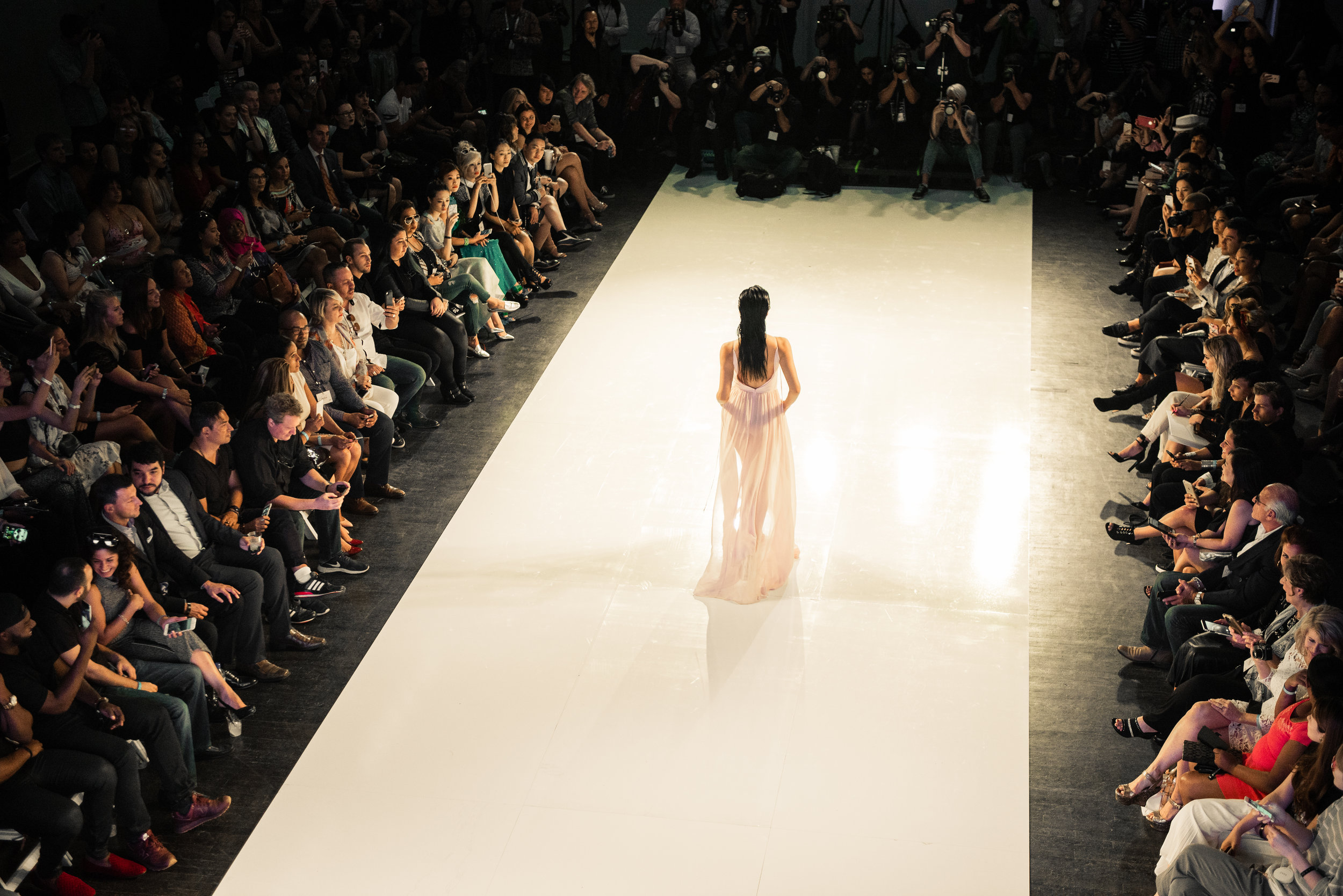 LAFW-SS17-Crowd-Overview.jpg