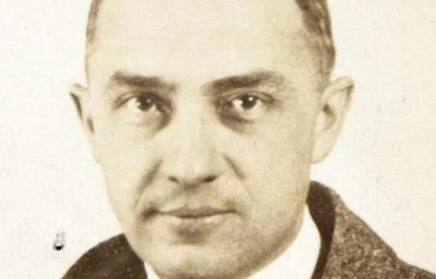 William_Carlos_Williams_passport_photograph_1921-web.jpg