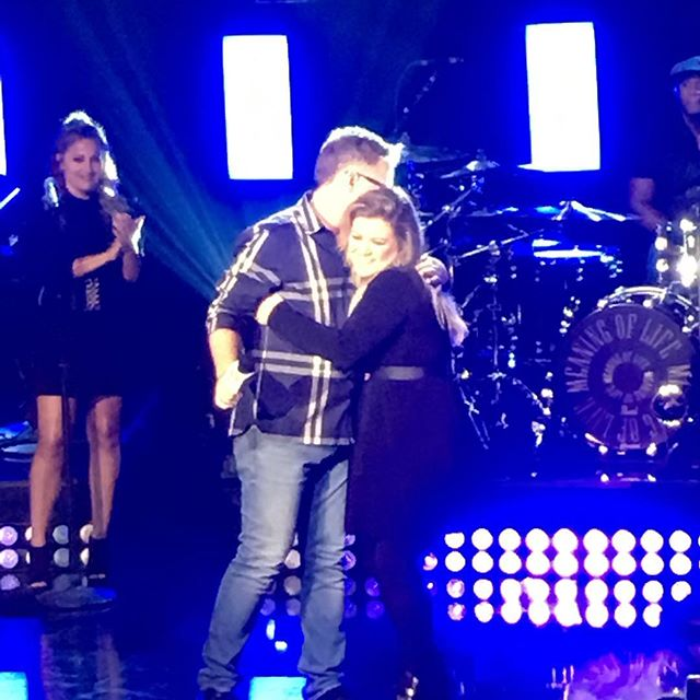 Thank you @kellyclarkson for your incredible performance today! We are so proud of your new album #meaningoflife! Thanks for supporting @bobhopeuso and @fallenpatriots