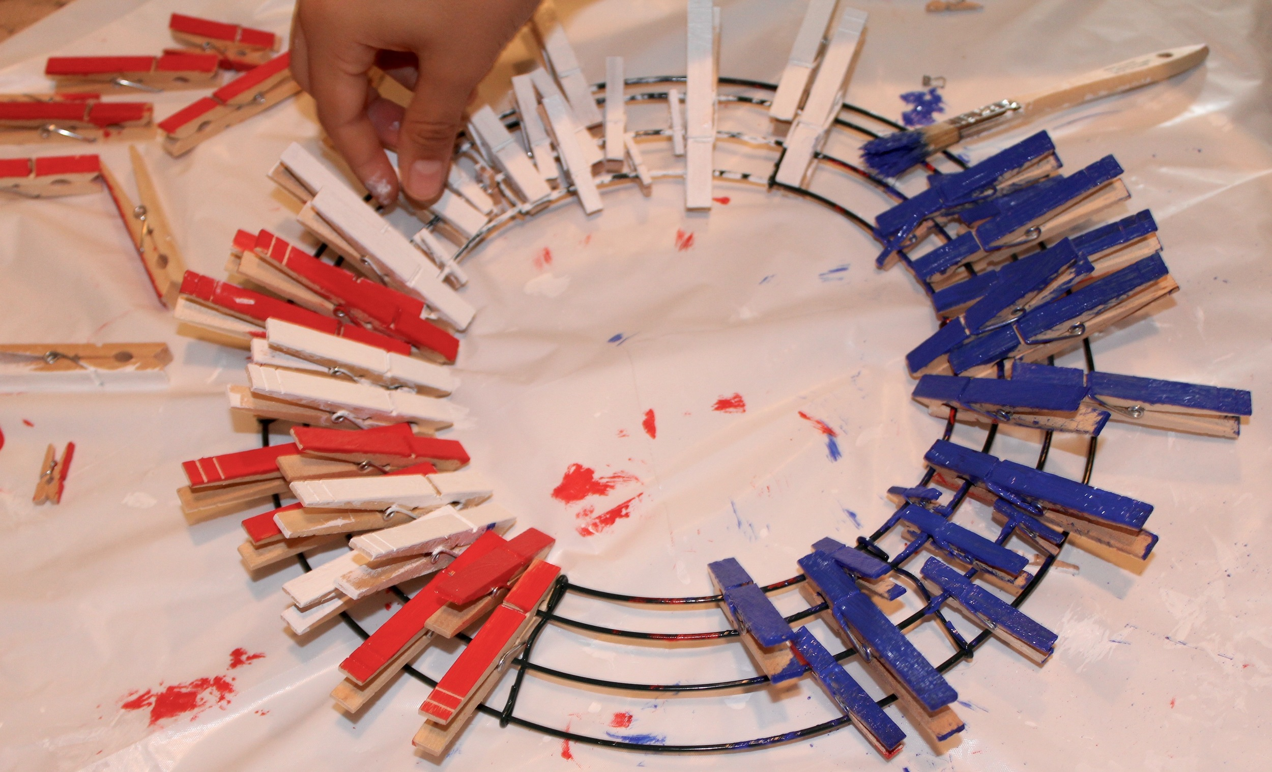 Arranging the clothespins