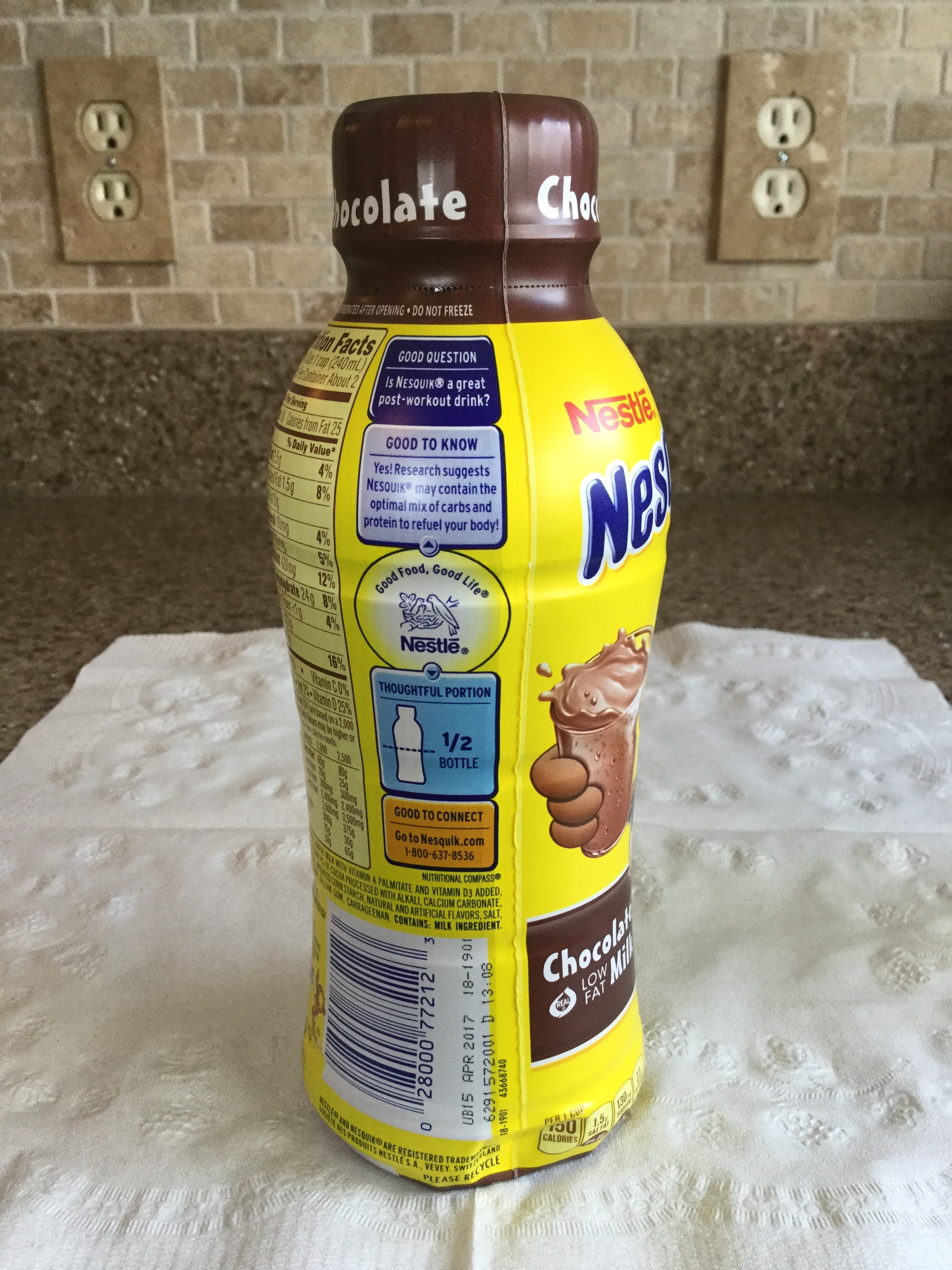 Nestle Nesquik Low Fat Chocolate Milk Side 2