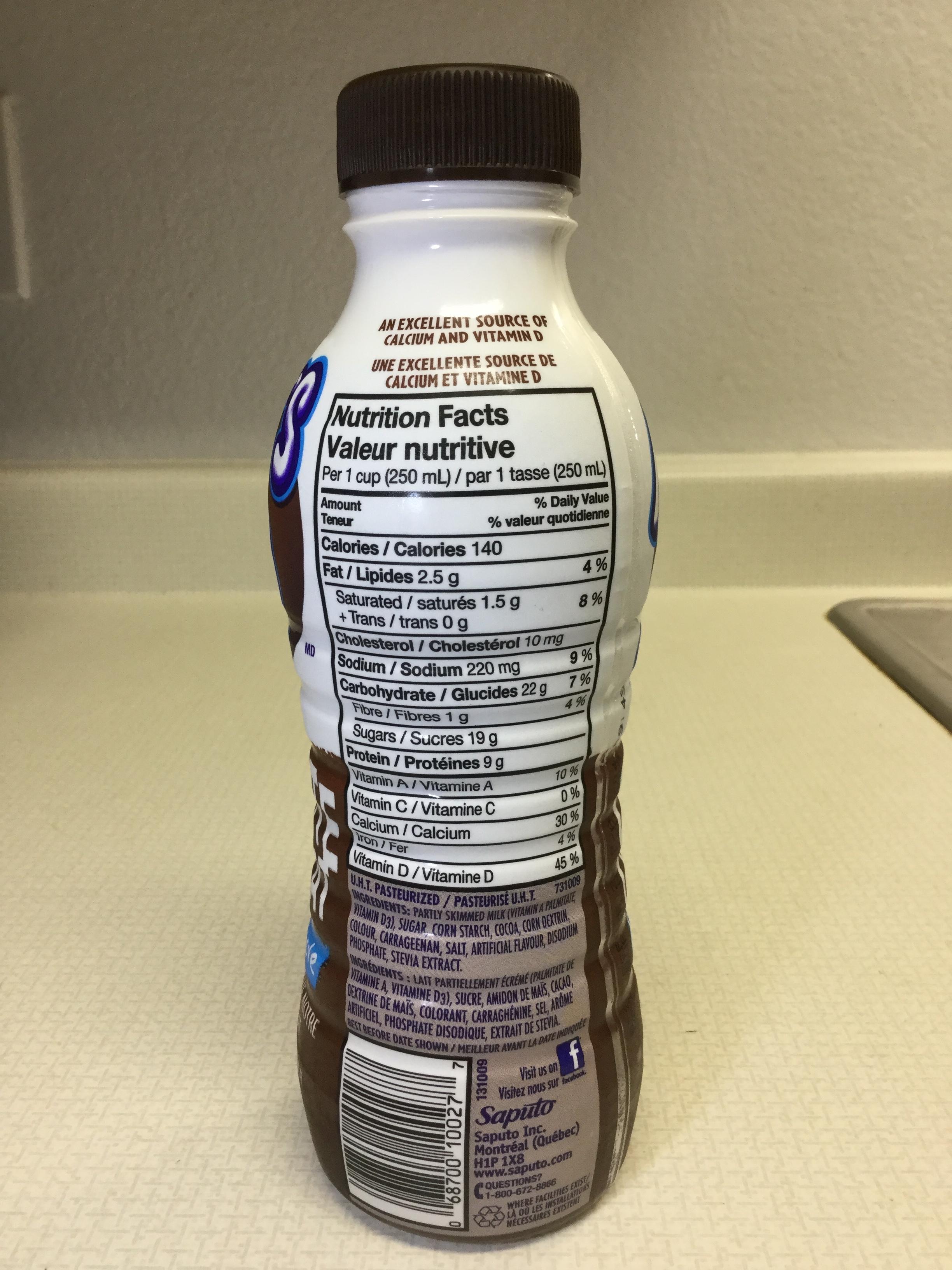 Saputo Milk 2 Go Chillin' Chocolate Reduced Sugar Side 1