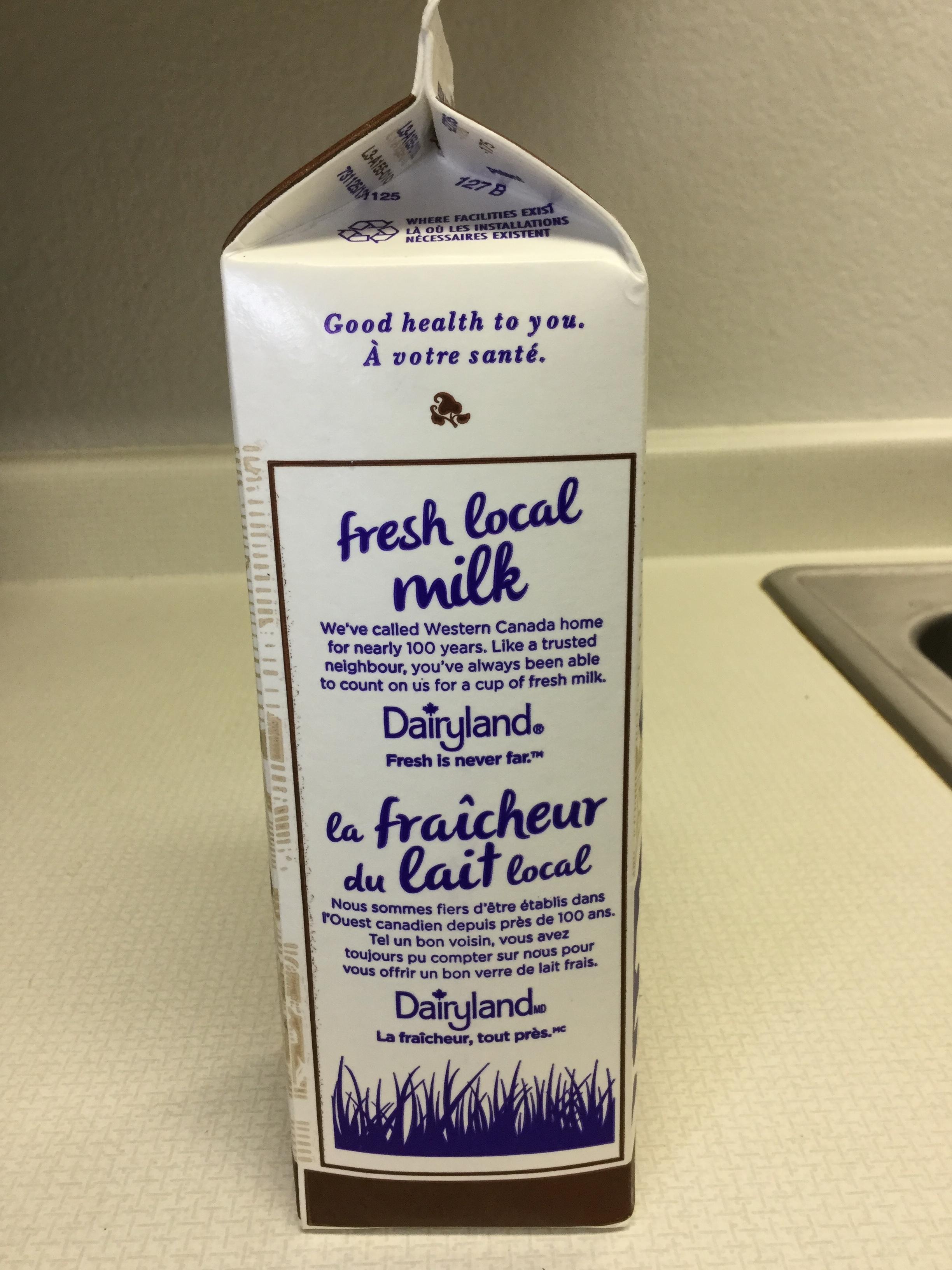 Dairyland Chocolate Milk Beverage (946mL carton) Side 2