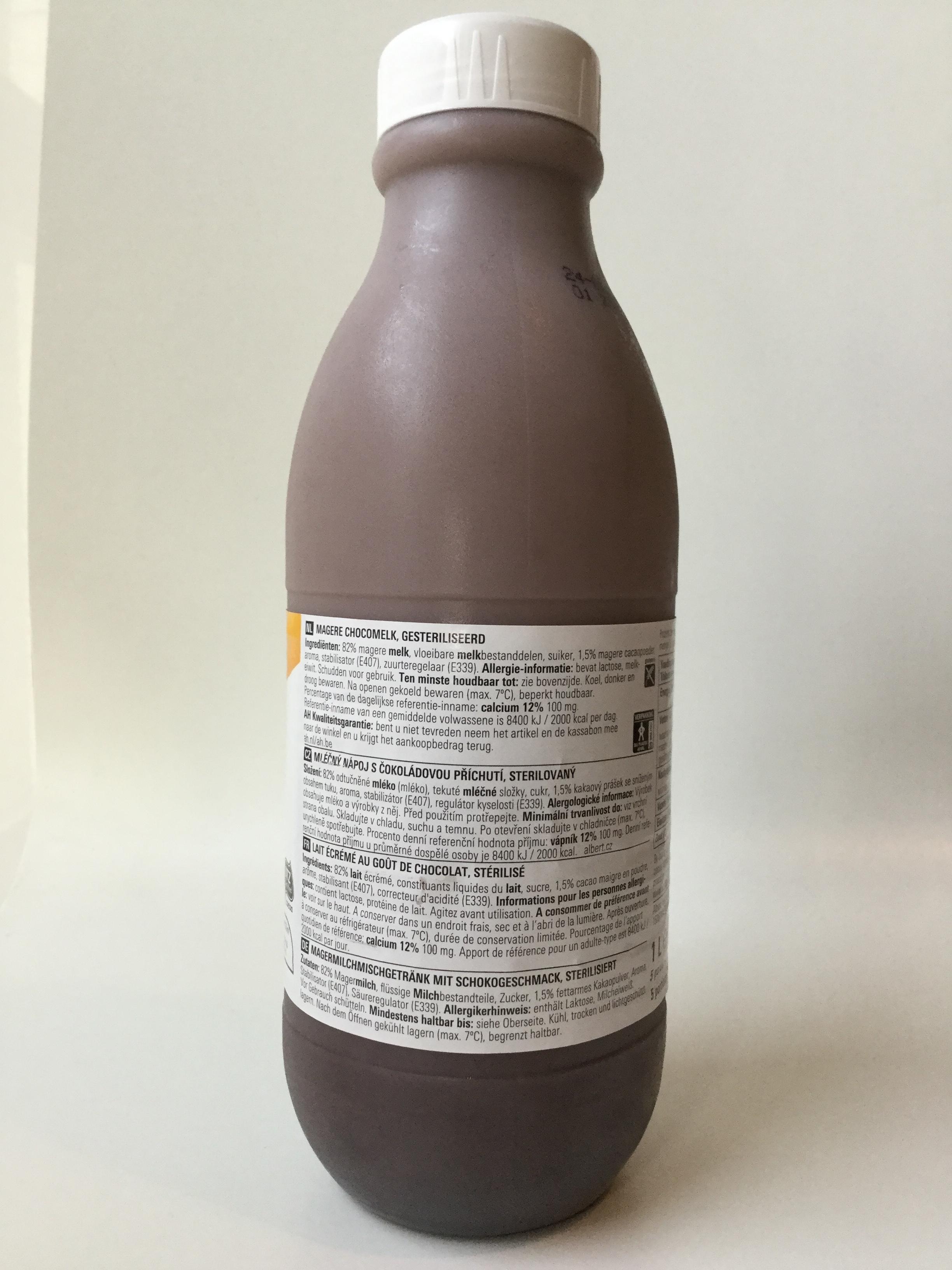 Albert Heijn Basic Skimmed Choco Milk Side 2