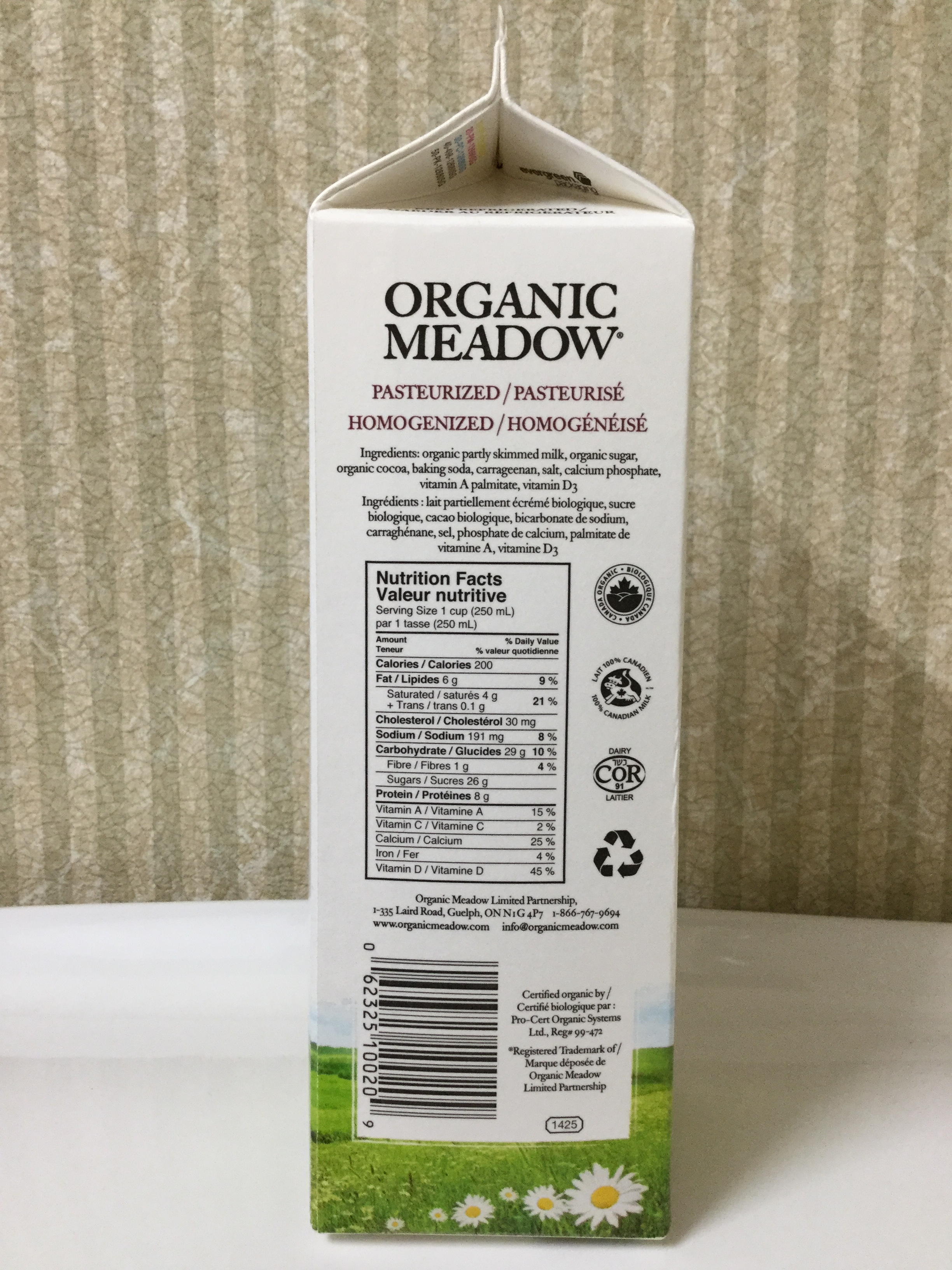 Organic Meadow Chocolate Milk Side 1