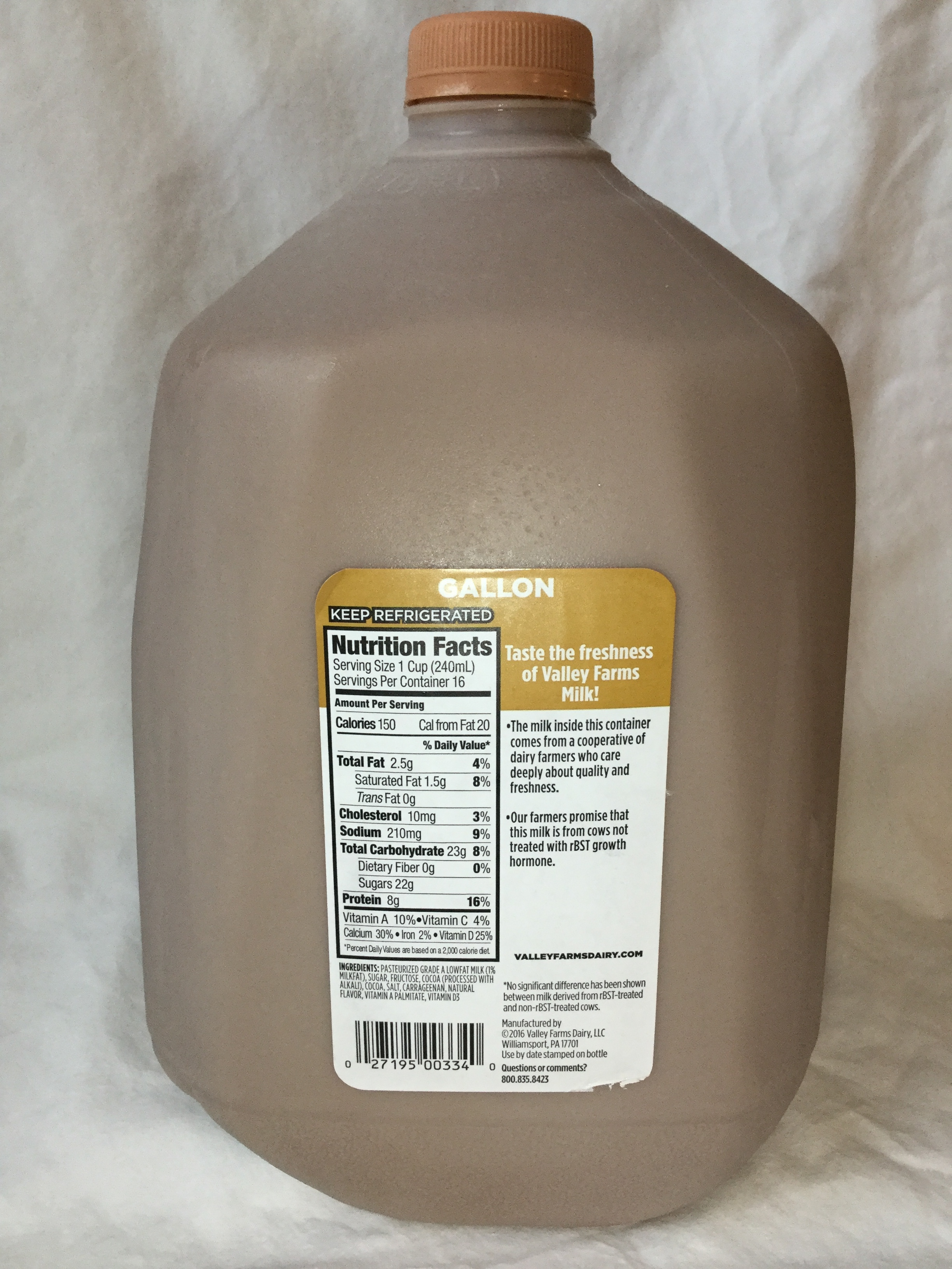 Valley Farms Low Fat Chocolate Milk Side 1