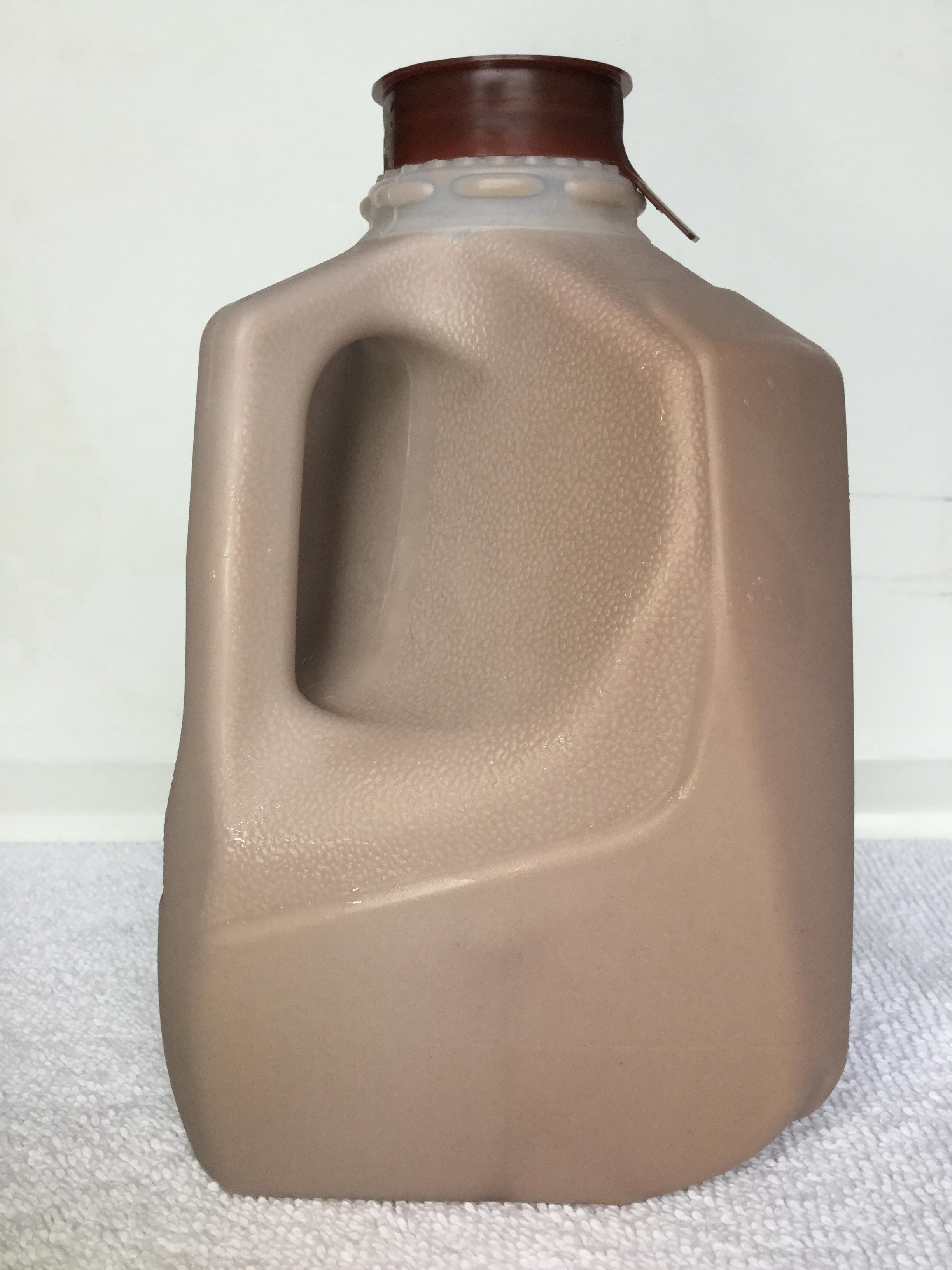 Perrydell Farm Chocolate Milk Side 1