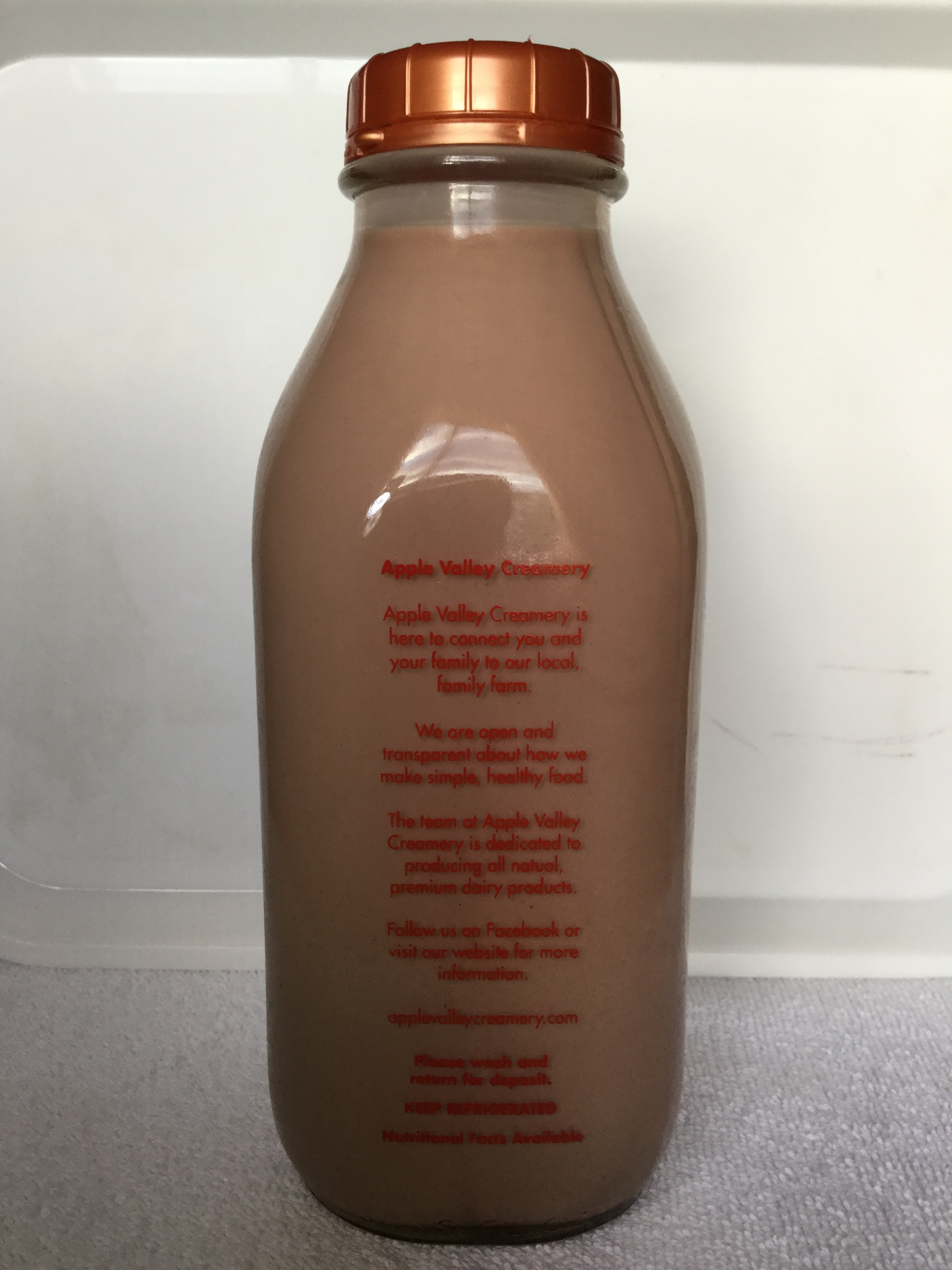 Apple Valley Creamery Chocolate Milk Side 1