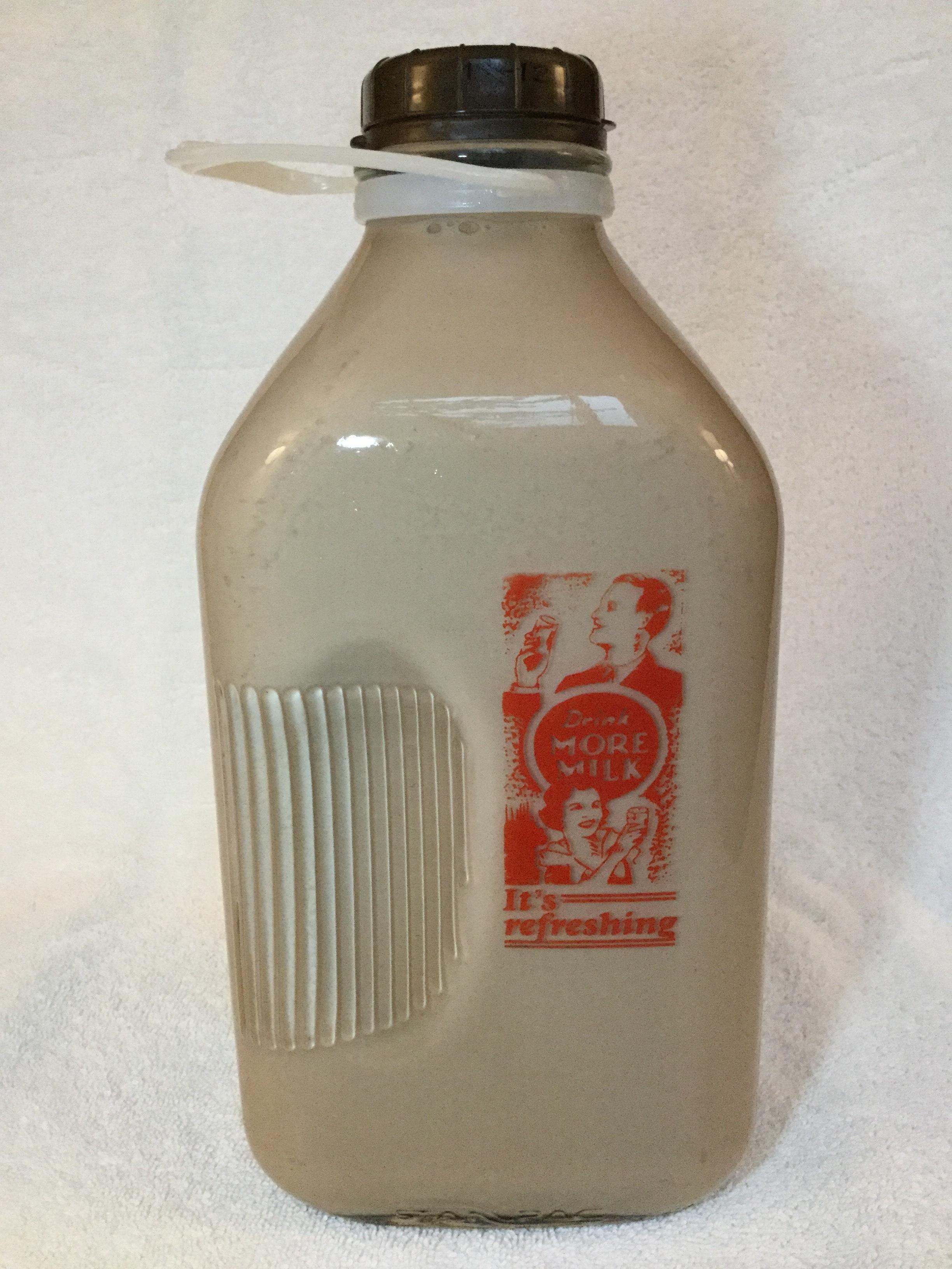 Meyer Dairy Chocolate Milk Side 1