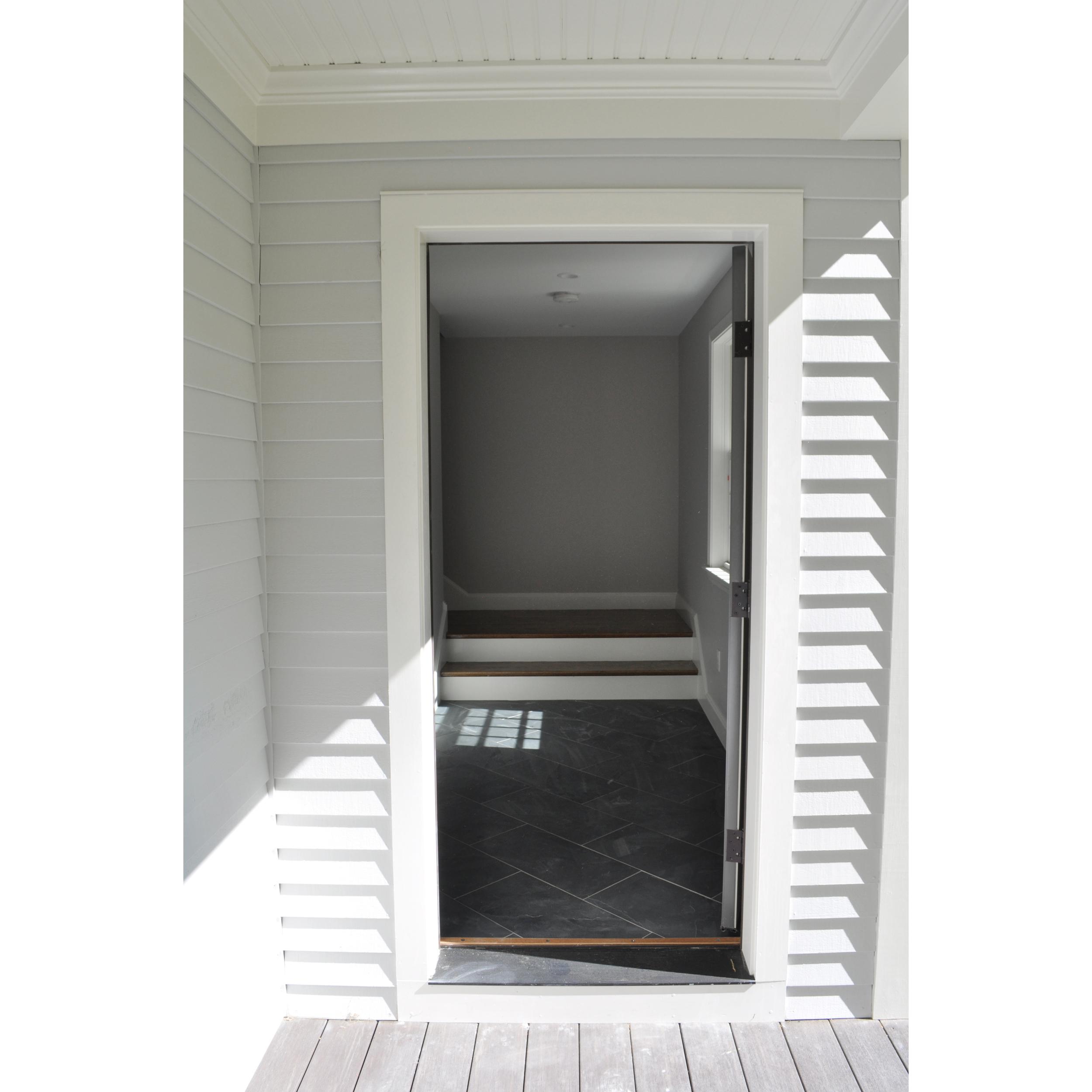 entrance_3 2.jpg