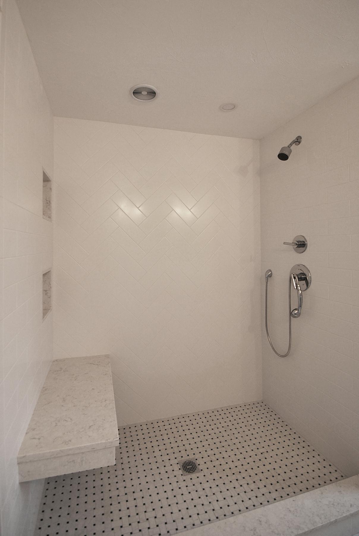 liliac bath2 4.jpg