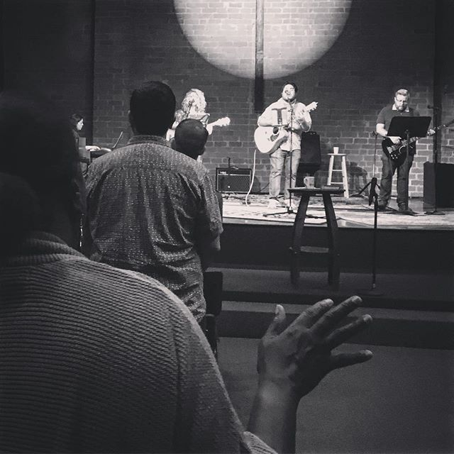 """Oh, how He loves us"" It's a great morning to worship! No rain, clouds or LA traffic can stop us from joining us our community in songs of praise today.  #praiseandworship #pasadena #pasadenacitychurch #pcc #helovesus #jesus"