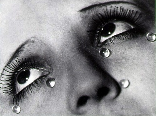 """I meant to put this in the """"solo inspirations"""" video but I forgot. What an image. Thank you, Man Ray!"""