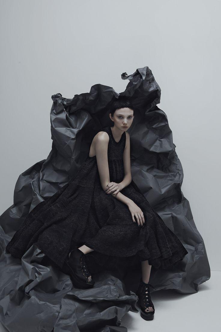 9021a9370ee2739f4dccdb521eb14f64--grey-fashion-fashion-pics.jpg