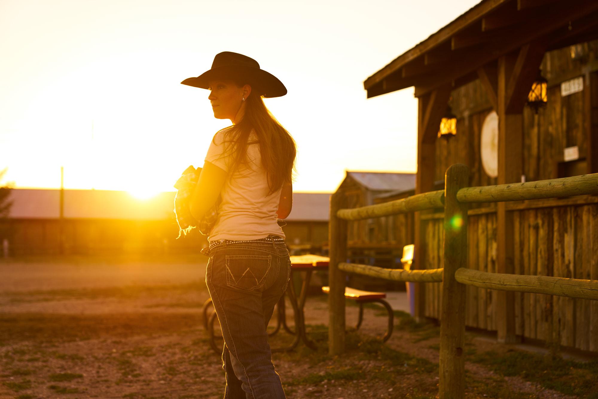 AMVISUALS_Erin_Wyoming_Editorial_DSC0961.jpg