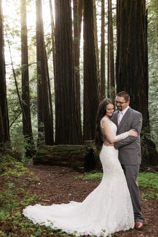 bride+groom+in+love+monterey+wedding+photographer+nisene+state+park.jpg