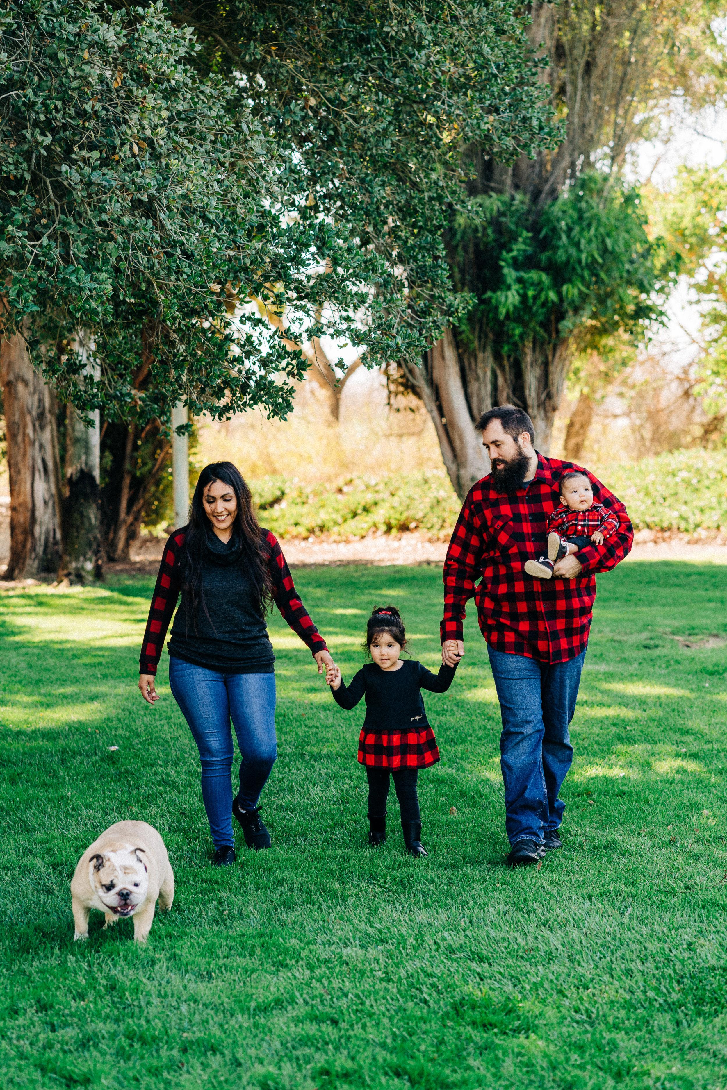 monica-family-photos.jpg