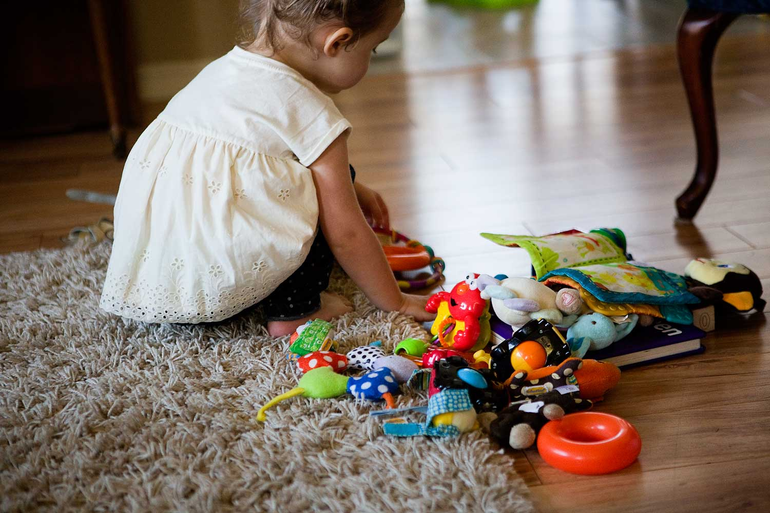 Toddler Playing, Amy Wright Photography, Roseville Family Photographer