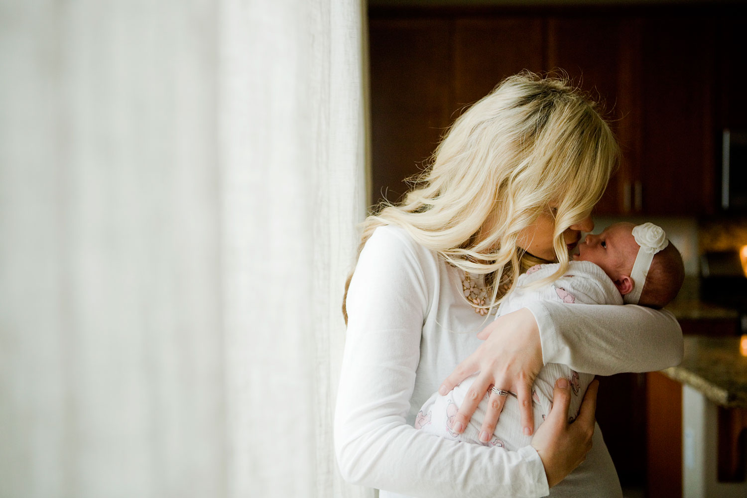 Mother and Newborn, Amy Wright Photography, Roseville Family Photographer