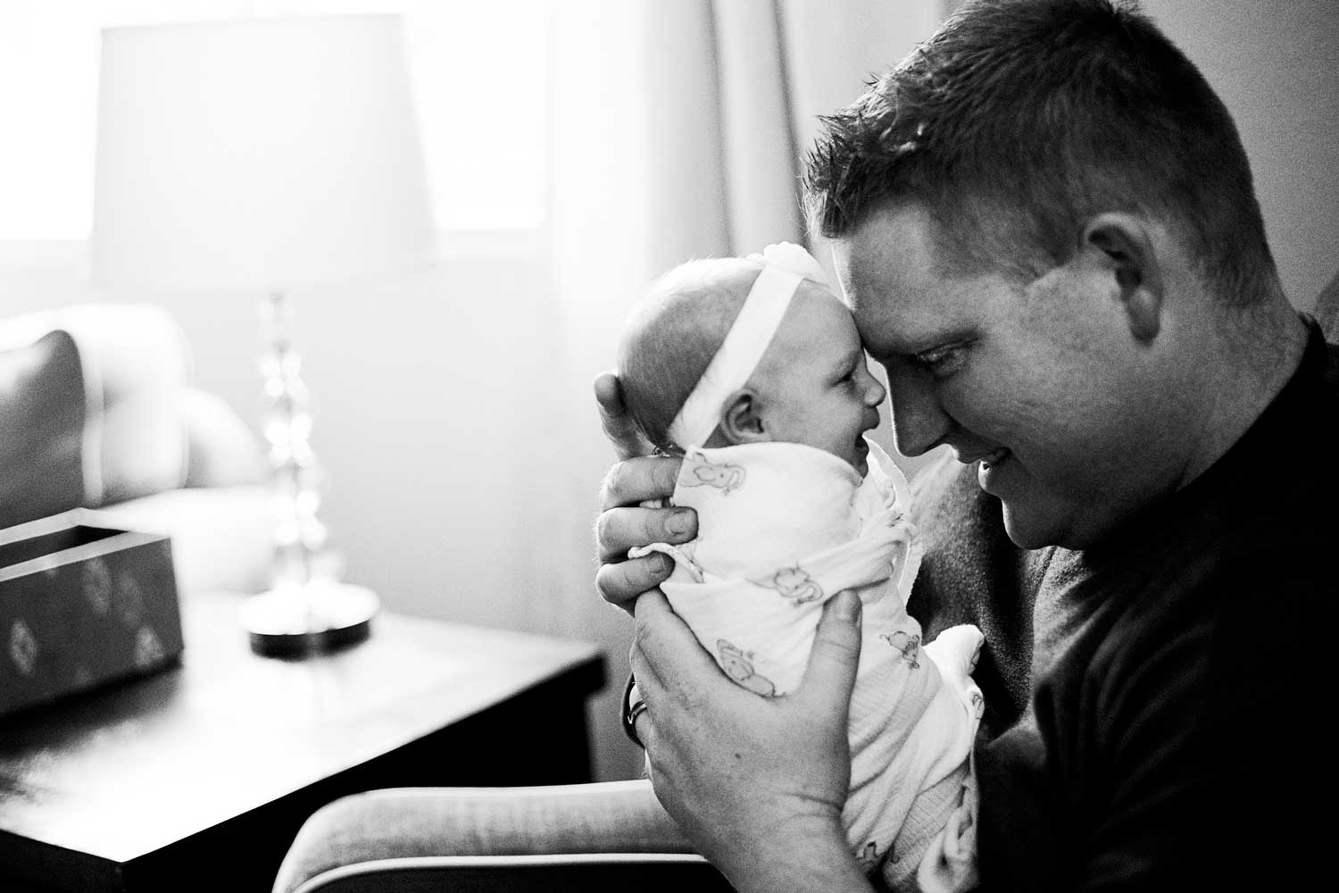 Father and Newborn, Amy Wright Photography, Roseville Family Photographer