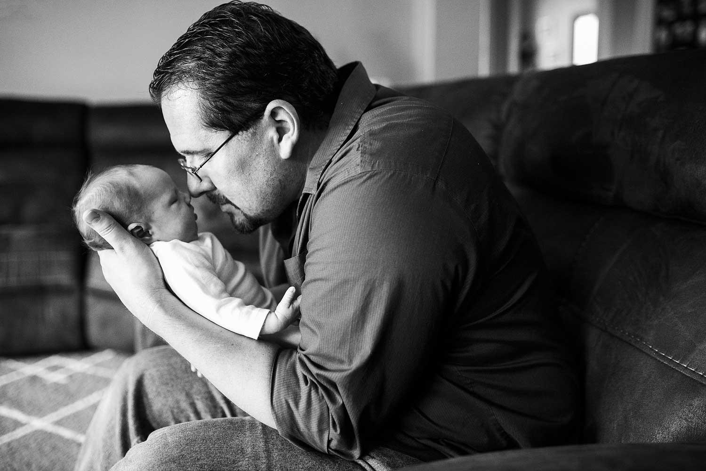 Lifestyle Newborn Family, Amy Wright Photography, Roseville Newborn Photographer