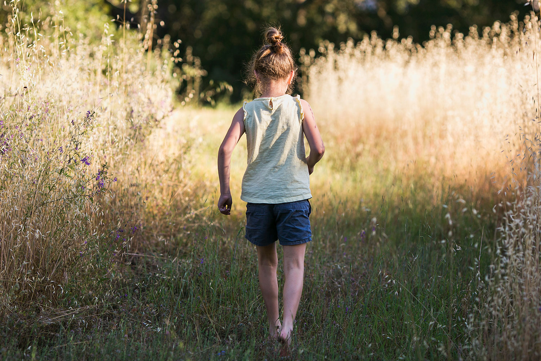 Girl in Field, Sacramento Northern California Family Photographer, Amy Wright Photography