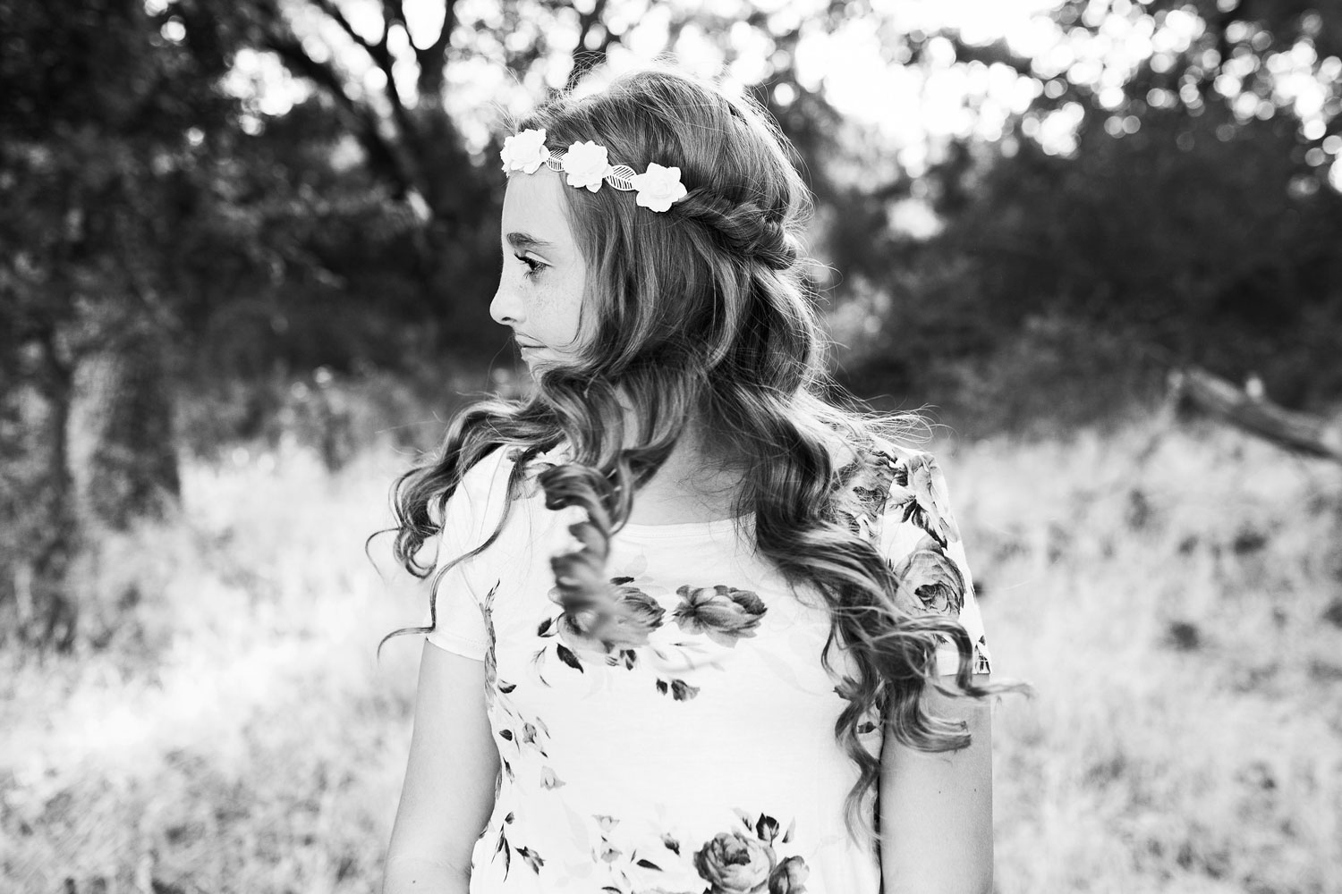 Girl with Curly Hair, Family of Six, Roseville Family Photographer, Amy Wright Photography