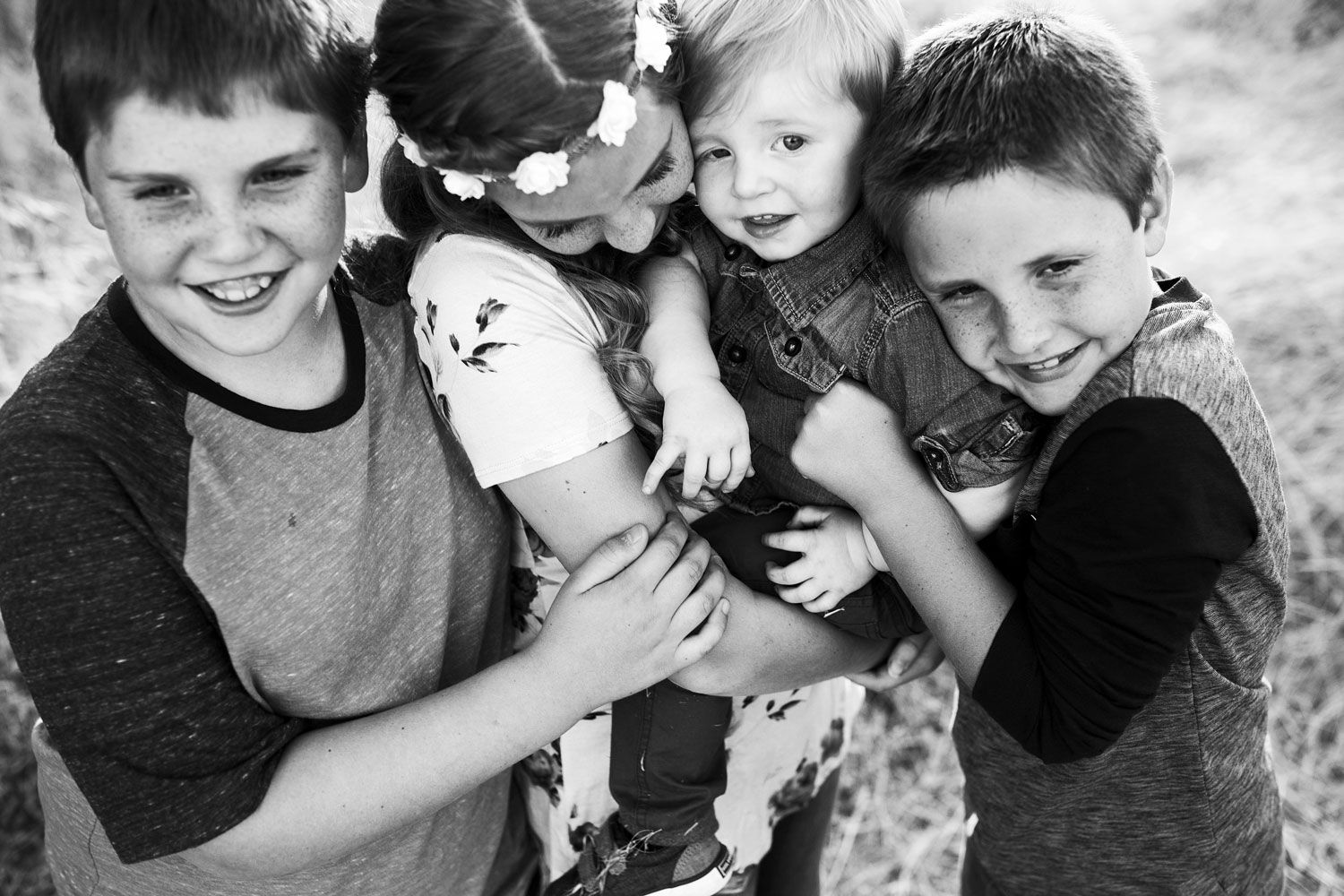 Four Siblings, Roseville Family Photographer, Amy Wright Photography