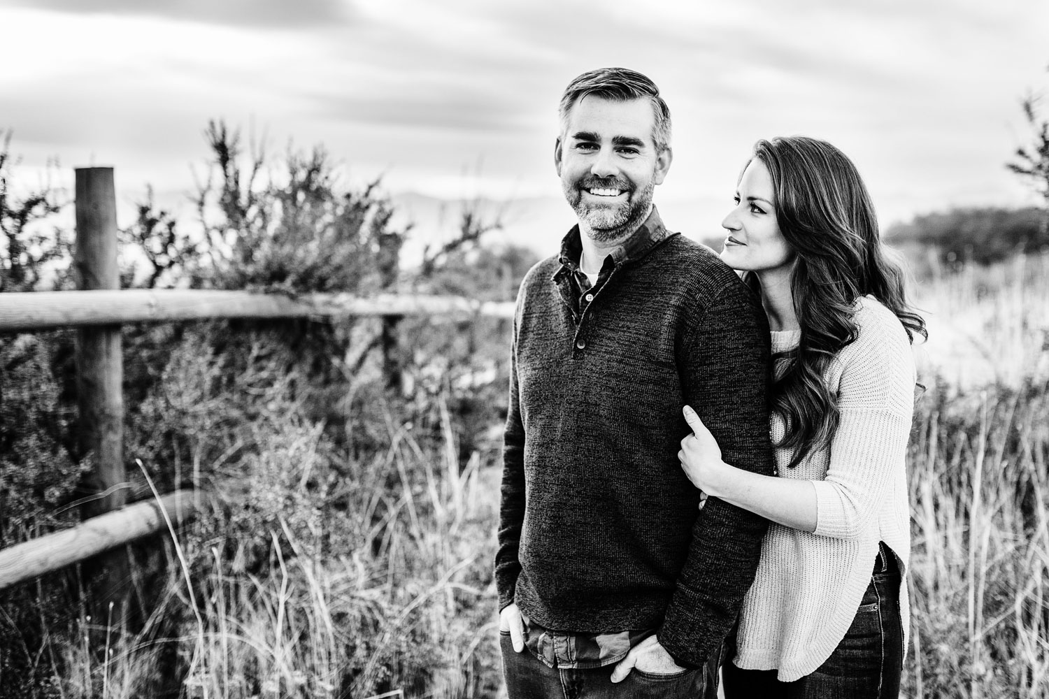A couple gets their picture taken during their family photo session with Amy Wright Photography, based out of Rocklin, California.