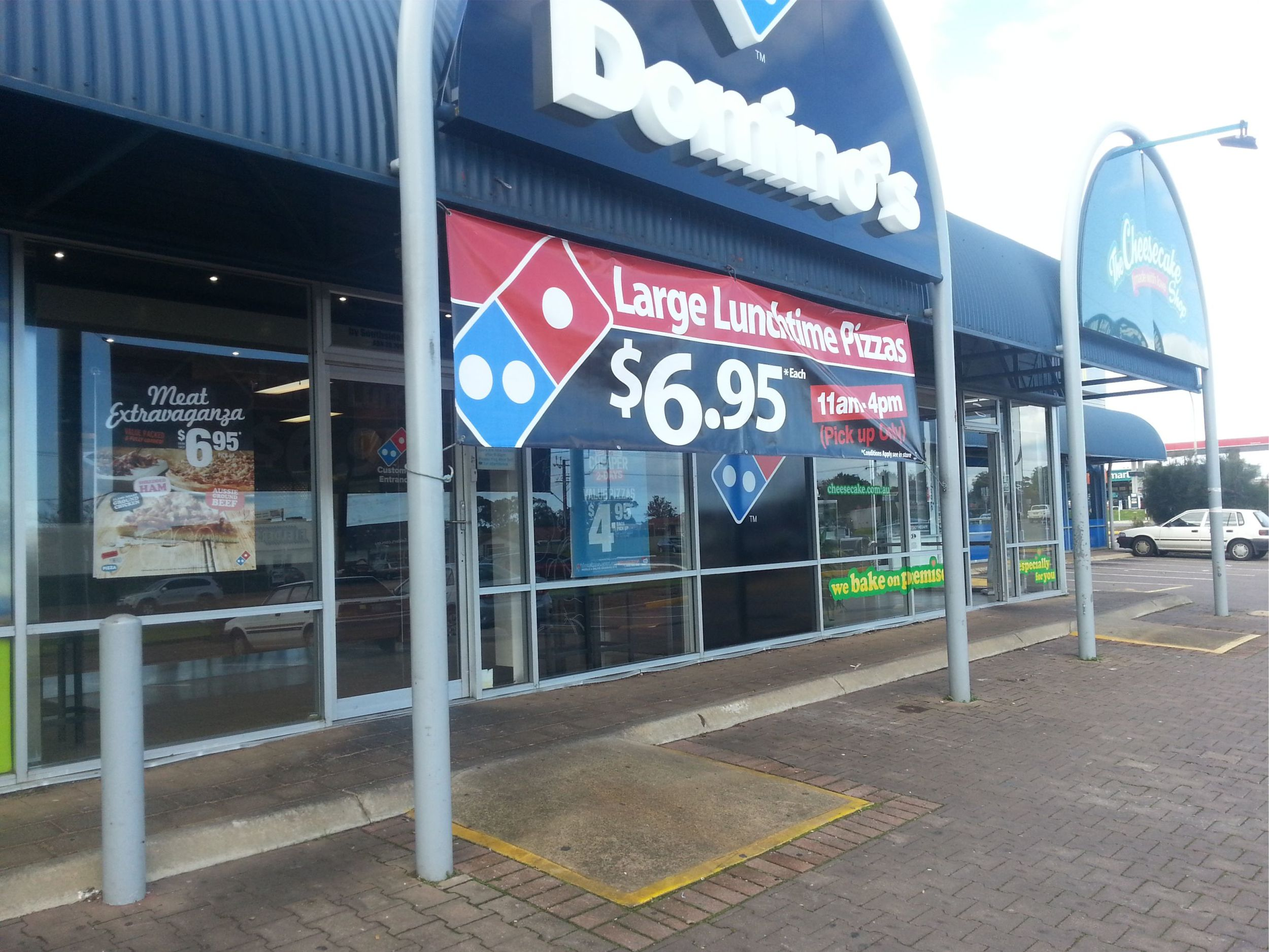 Dominos Sign Colour - Sign Adelaide - Signage Adelaide - Banner Adelaide - Signage Adelaide - Sign Lonsdale - Sign Aldinga - Sign Morphett Vale - Sign Victor Harbor - A Frame Signs.jpg