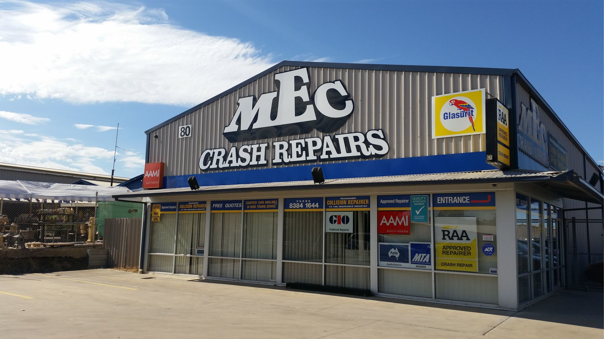 Sign Colour, Business Signage, Signage Adelaide, Signage Lonsdale, MEC Crash Repairs, Lonsdale Signs, Lonsdale, Shop Front Signage Adelaide, Shop Front Signage Lonsdale
