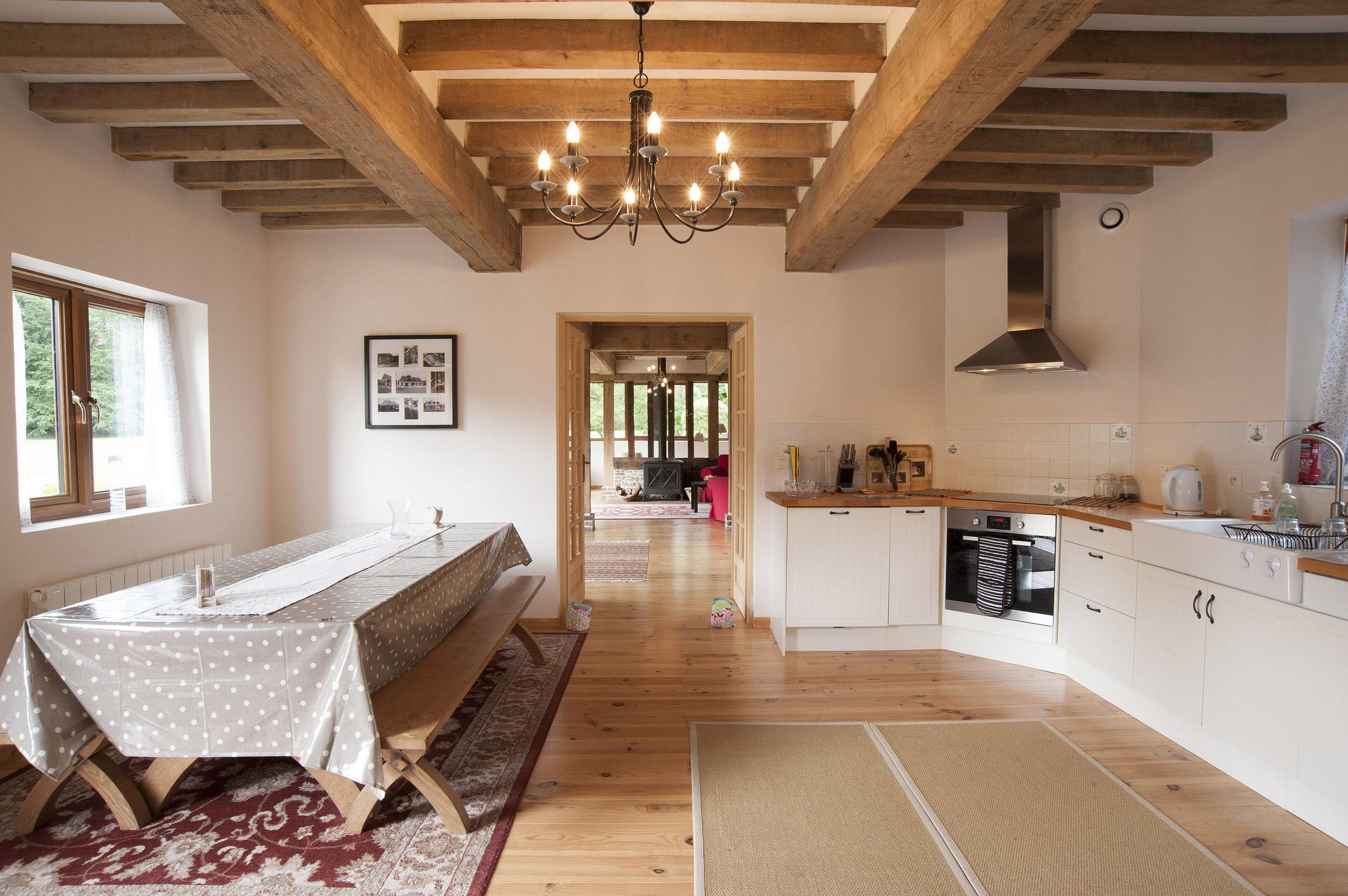 kitchen5557.jpg