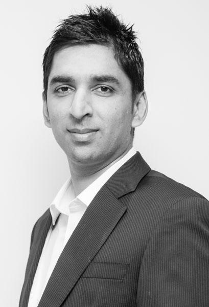 Dr Nin Sritharan
