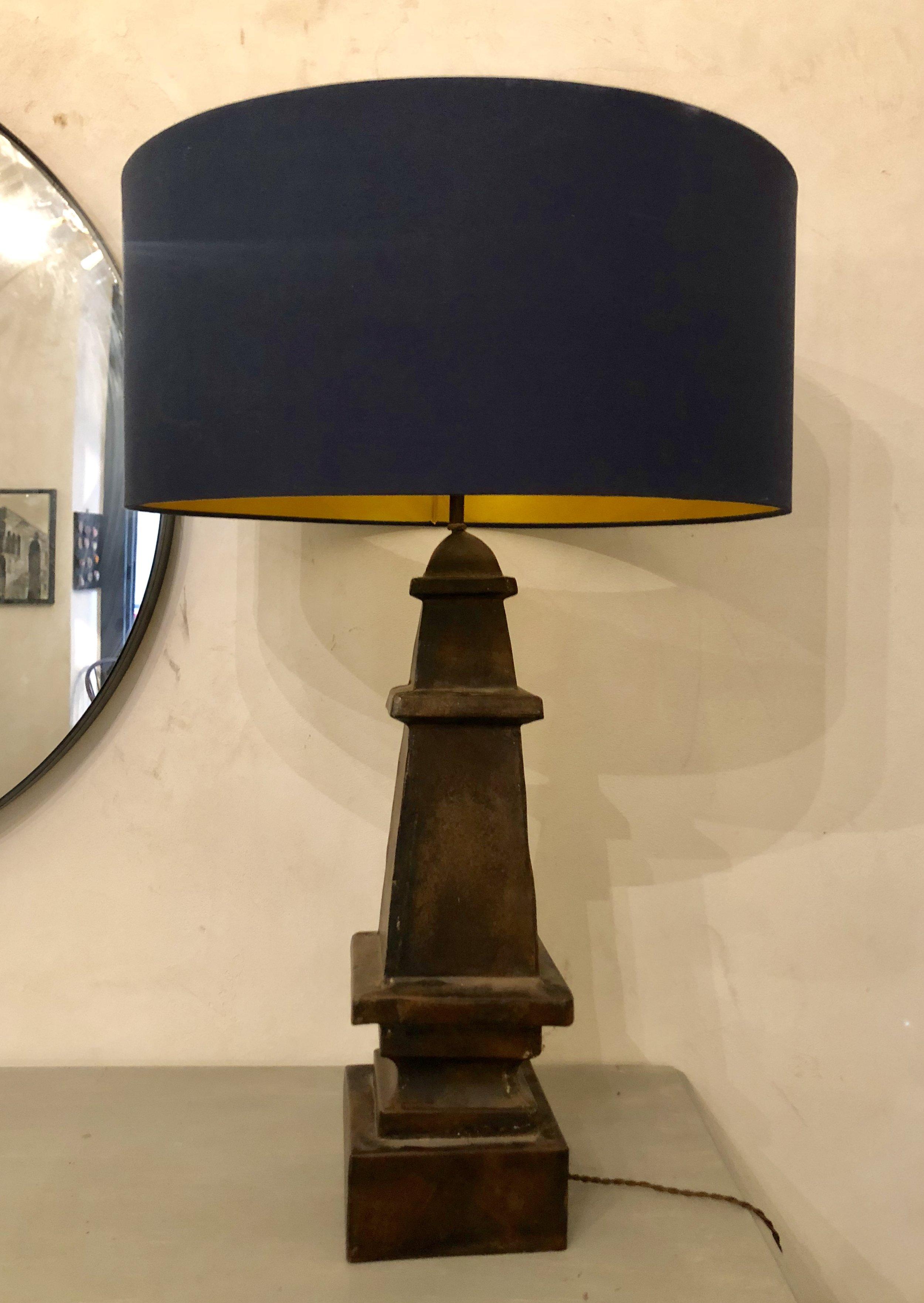 COPPIA DI LAMPADE RICAVATE DA ANTICHI OBELISCHI IN FERRO