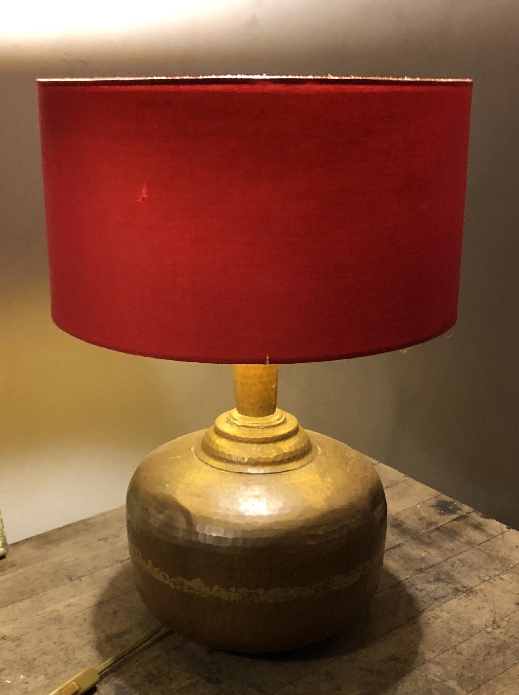 LAMPADA REALIZZATA CON UN ANTICA BROCCA IN RAME