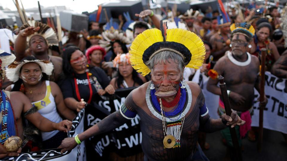 brazilian-indians-indigenous-brasilia-violation-against-demonstration_6f0b66e2-2a65-11e7-bd89-19cc2c5d765e.jpg
