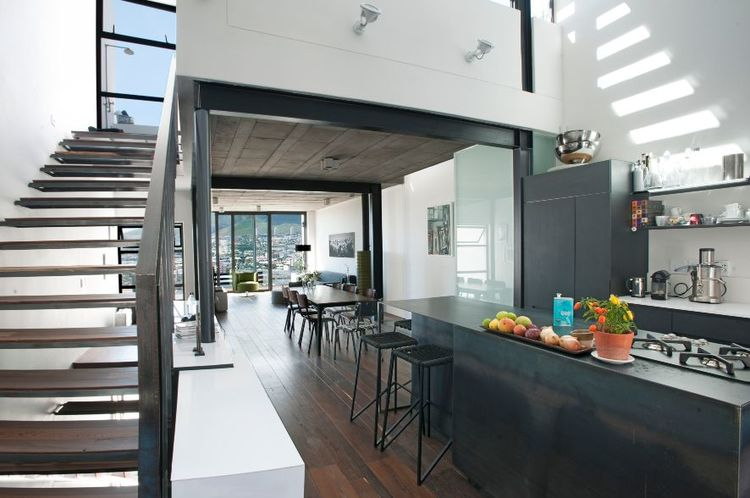 Internal look concrete deck Team Architects Cobute