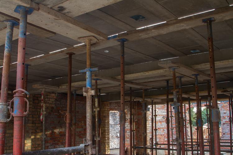 Precast concrete panels and ribs interlock with precision