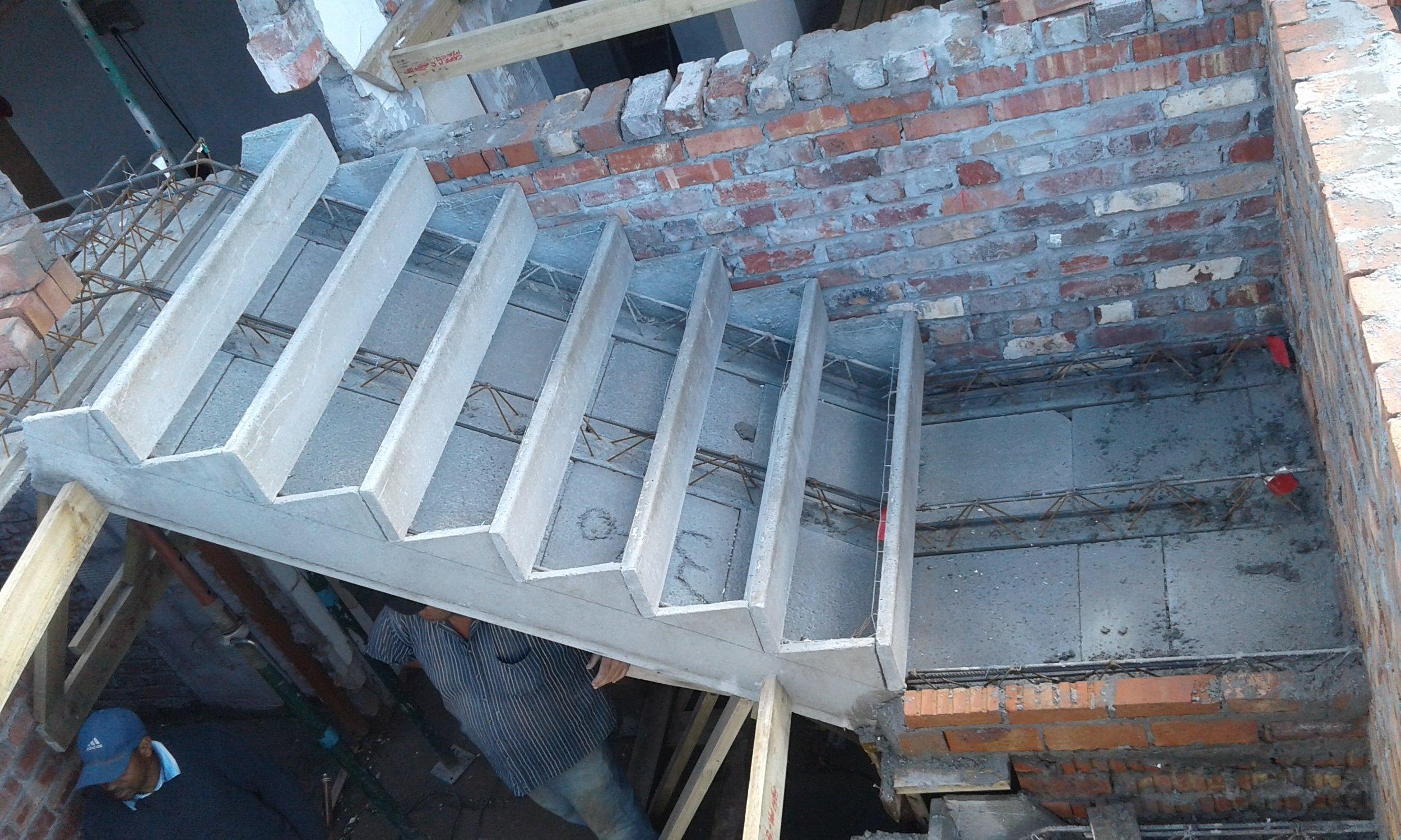 Cobute precast concrete stair