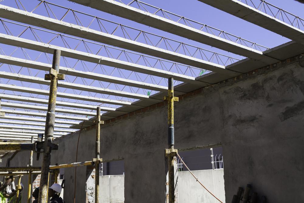 precast roof slab being installed