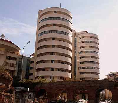 The residential silos-towers. Picture:    Naples       Ldm    ©Jeff Matthews