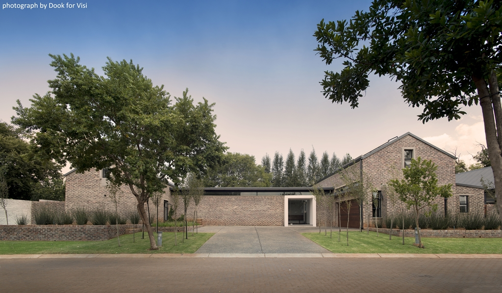 Link House by Strey Architects inPretoria is built on Modulo Foundations - Read more    here