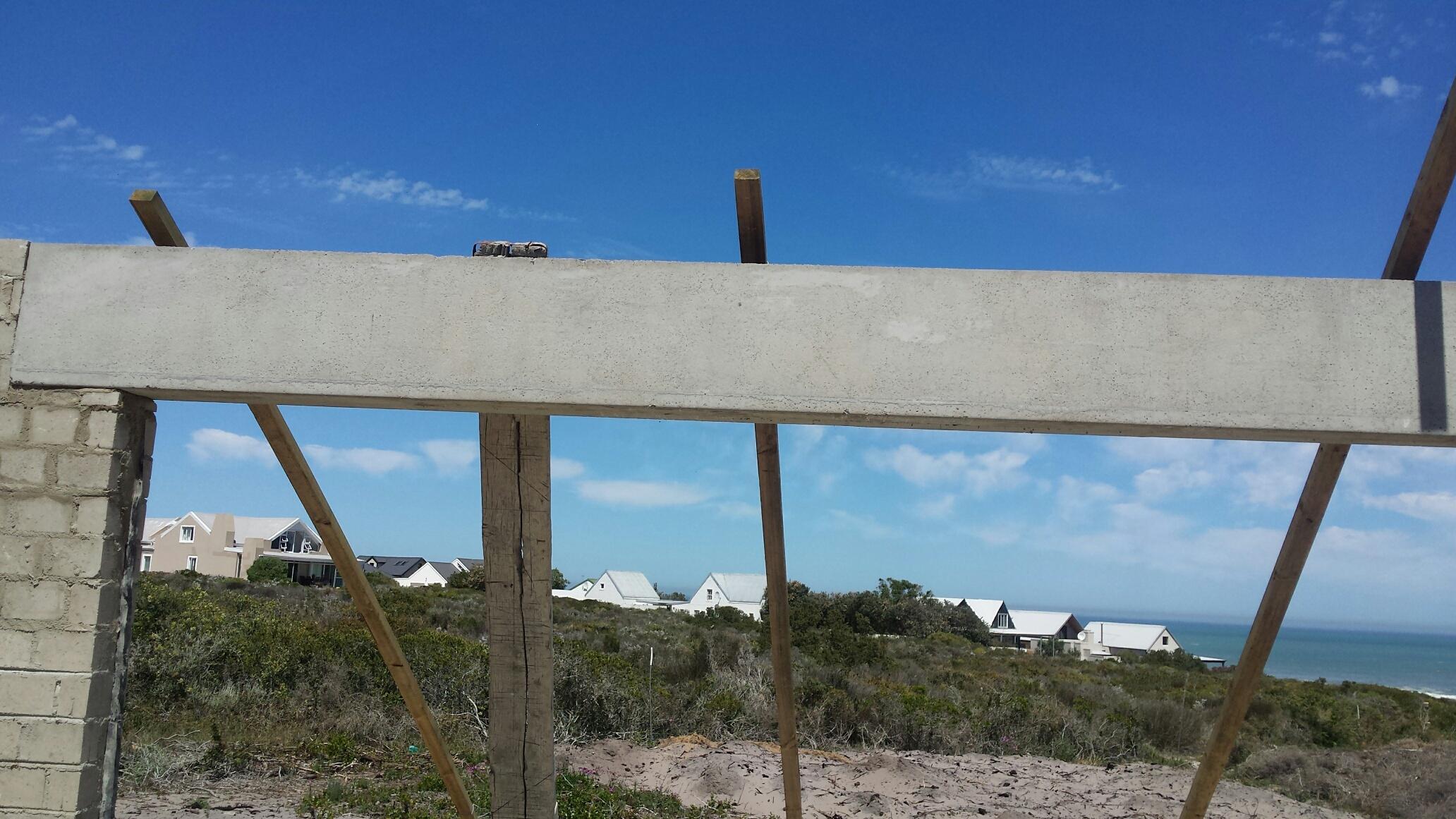 Cobute precast beam on site.