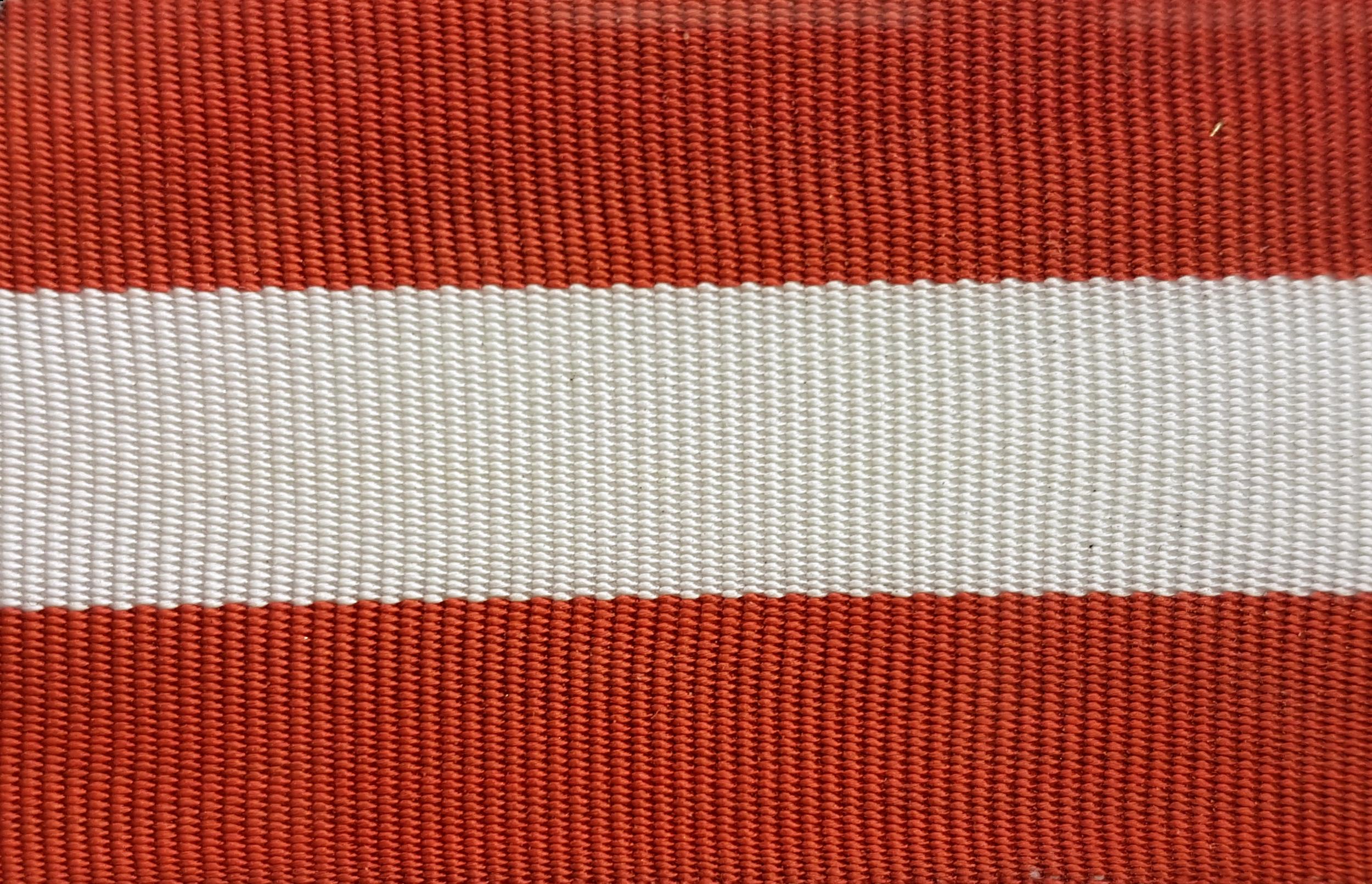 Humanistiska Föreningens frackband   HumFs frackband kan bäras av alla nuvarande och tidigare medlemmar i Humanistiska Föreningen.  Köp HumFs frackband i Campusbutiken i Allhuset: 50kr