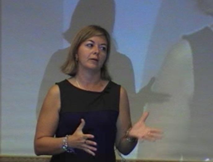 Dª. Elena Malmierca.   Profesora de Oratoria y lenguaje corporal