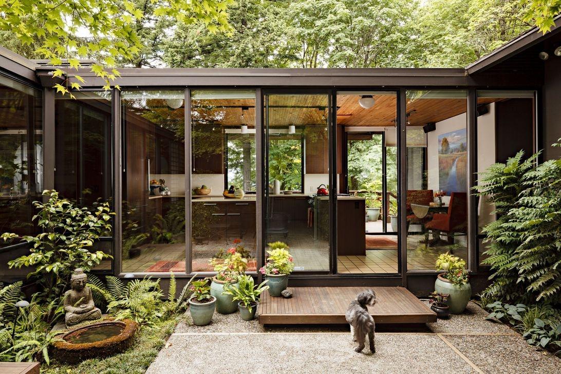 Amazing-Mid-Century-Modern-House-Ideas-31.jpg
